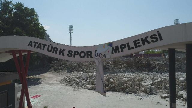 Türkiye'de sporun 65 yıllık şahidi yıkılıyor