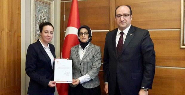 AK Parti kadın kolları başkanı atandı
