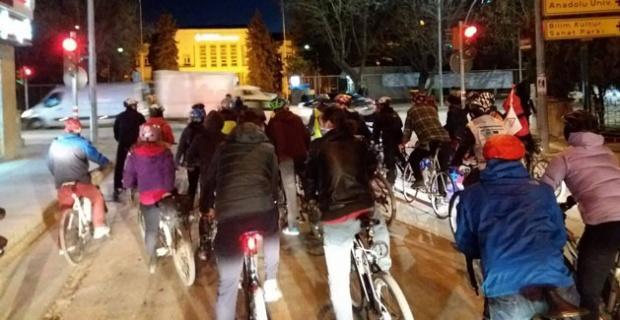 Bisikletliler 'trafikte biz de varız' dedi