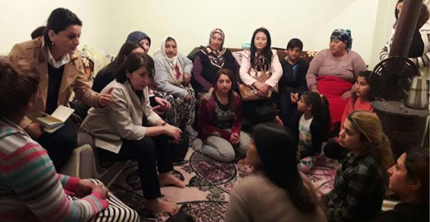 AK Partili kadınlar Gazipaşa'da