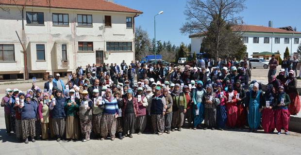 Karacan, fidan üretim işçileri ile buluştu