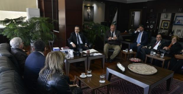 KKTC şehit ailelerinden Ataç'a ziyaret