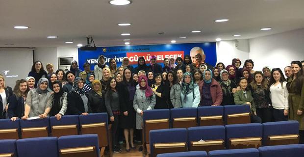 AK Partili kadınlar referandumu değerlendirdi