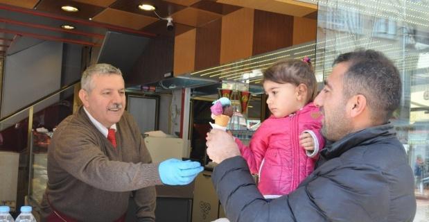 Makedonya'dan gelen brownika dondurması yaza damga vuracak