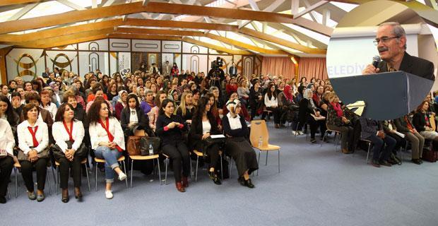 Yılmaz Büyükerşen'den kadınlara destek sözü