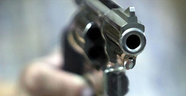 Hırsızlar silahlı çatışmaya girdiler