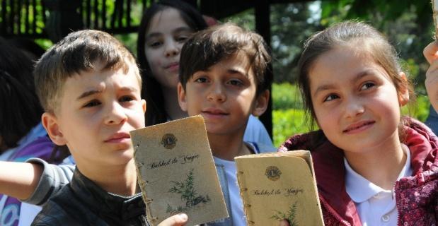 Kitapları önce okudular sonra toprağa diktiler
