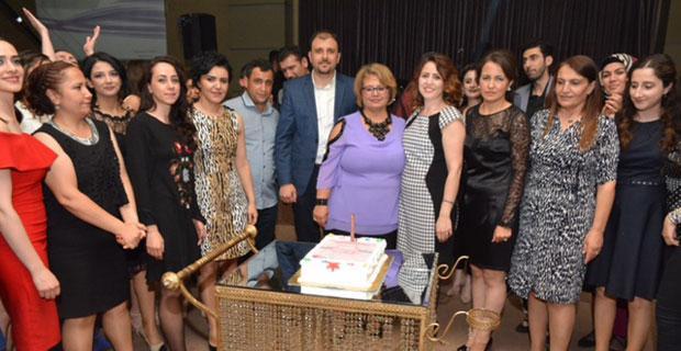 Özel Ümit Hastanesi hemşire ve tüm sağlık personeli günlerini kutladı