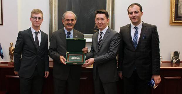 Tataristan temsilcilerinden Büyükerşen'e ziyaret