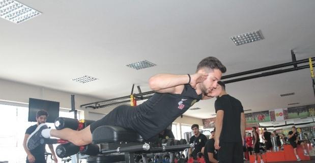 Eskişehirspor antrenmanı fitness çalışmaları ile tamamladı