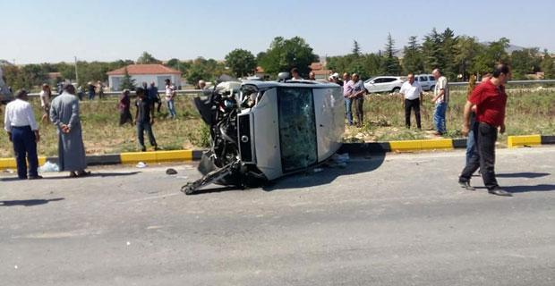Devrilen araçta bulunan yolcu hayatını kaybetti