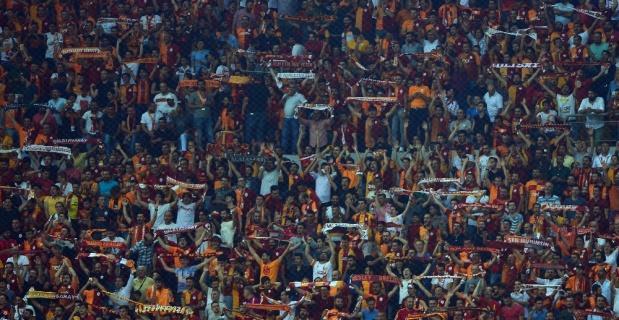 Galatasaraylılar takımlarını yalnız bırakmadı