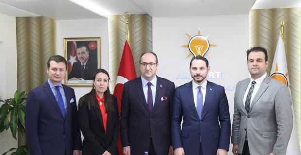 Bakan Albayrak Eskişehir Valiliği ve AK Parti İl Başkanlığı'nı ziyaret etti