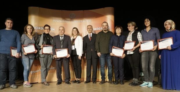 Açıköğretim ailesi İzmir'deki başarılı öğrencileriyle buluştu