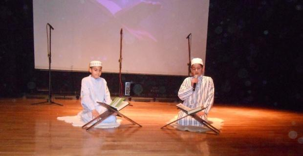 Eskişehir Hızırbey İmam Hatip Ortaokulu'da 'Mevlid-i Nebi' programı yoğun ilgi gördü
