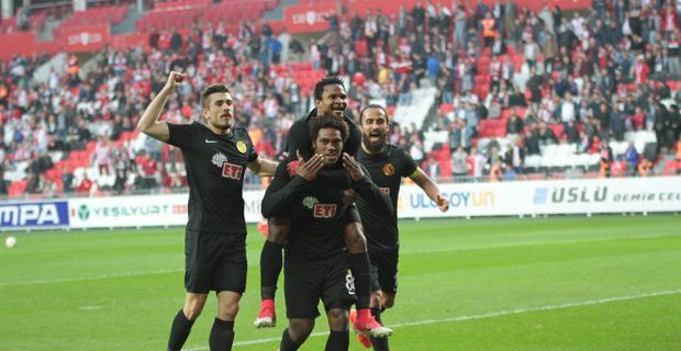 Eskişehirspor Samsun'a patladı