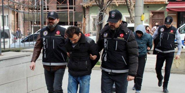 Eskişehir'de uyuşturucu satıcıları adliyeye sevk edildi