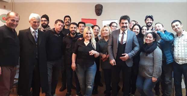 Anadolu Derneği'nden tiyatro kursu