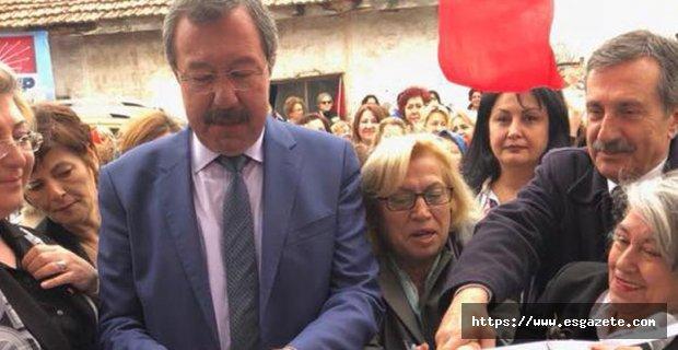 CHP Seyitgazi İlçe Kadın Kolları Bürosu açıldı