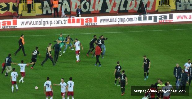 Eskişehirspor Altınordu maçında olaylar çıktı