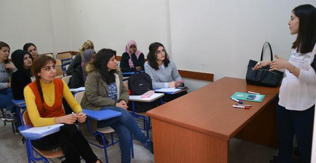 ESMEK'ten evde çocuk bakıcılığı kursu