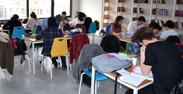 Gençlik Merkezi'nde sınav yoğunluğu