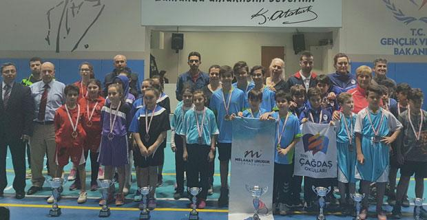 Masa tenisinde kazananlar belli oldu