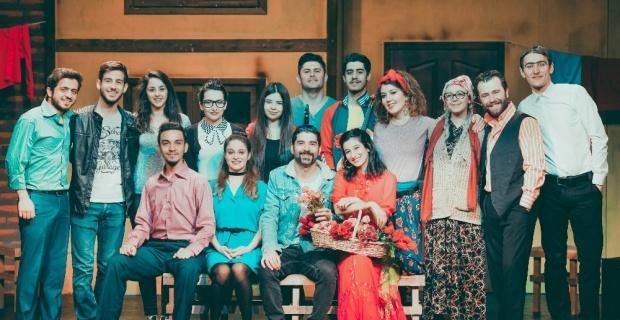 'Suı Generıs' tiyatro ekibi 'Şenlik Çıkmazı' oyununu Trabzon'da sahneleyecek