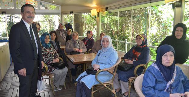 Beldeevi kadınlarından Ataç'a ilgi