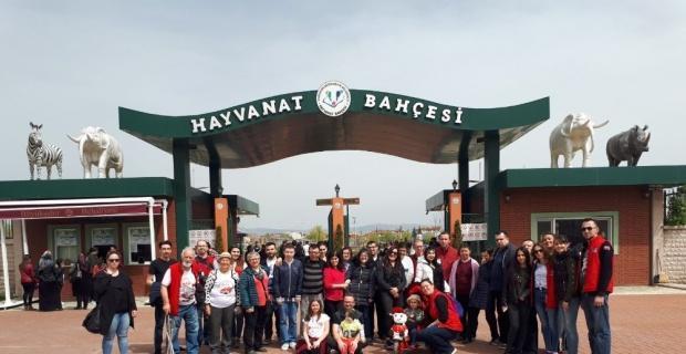 Vos26 gönüllüleri otizmli çocuklar ile buluştu