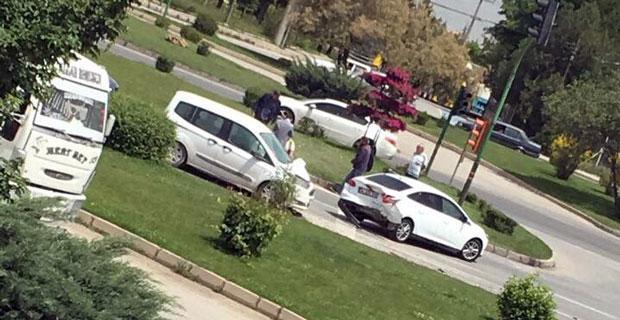 Eskişehir'de otomobiller çarpıştı: 1 yaralı