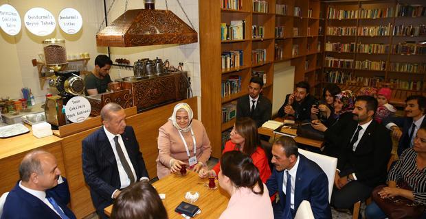 Erdoğan'dan 'kıraathane' ziyareti