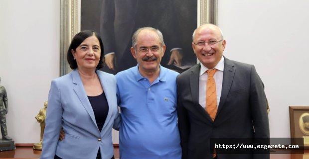 CHP'li vekillerden Büyükerşen'e ziyaret