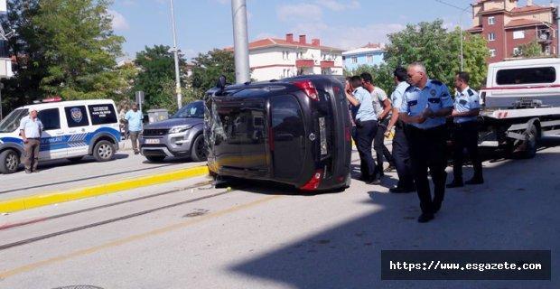Destici'nin kardeşi kaza yaptı