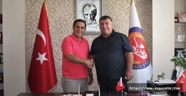 Başkan Alp'ten Gündoğan'a ziyaret