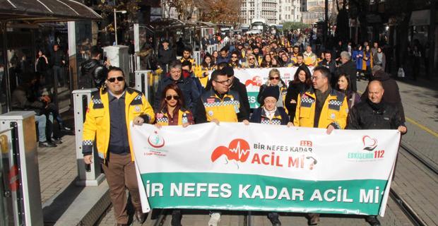 112 çalışanlarından farkındalık yürüyüşü