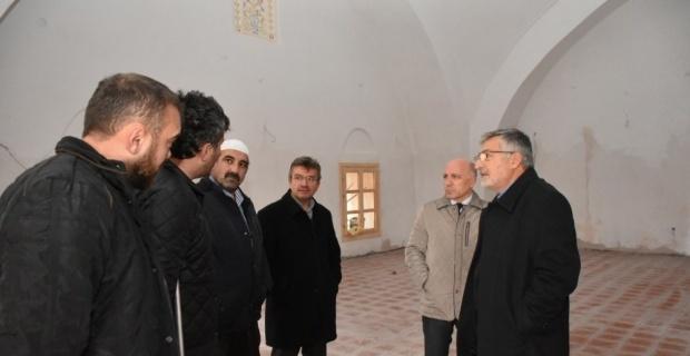 Ata yadigârı Alaaddin Camii'nin restorasyonu tamamlanıyor