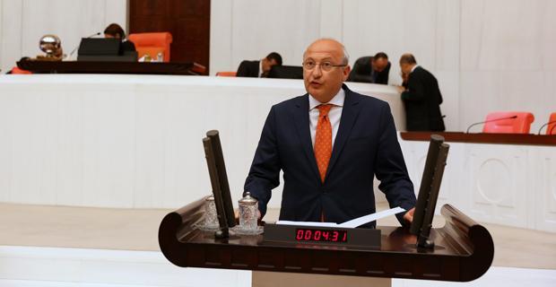 CHP'nin 'beyin göçünün' nedenleri araştırılsın önergesi AKP oylarıyla reddedildi