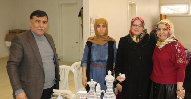 EMKO üyesi kadınlar ilk ürünlerini satıp ücretlerini aldılar