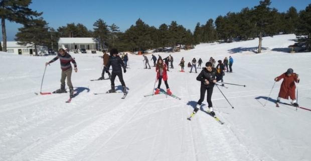 Gediz MYO'da kayak etkinliği