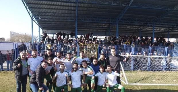 Vitraspor lider Aliağaspor'u devirdi