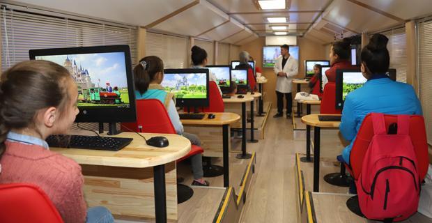 Büyükşehir Mobil Eğitim Aracı ilçelerde