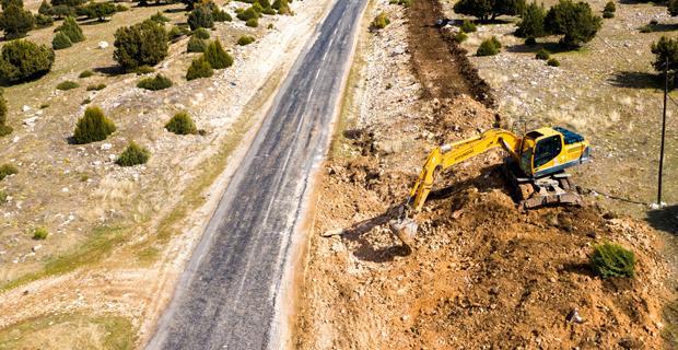 Büyükşehir'den yarı maliyetine beton yollar