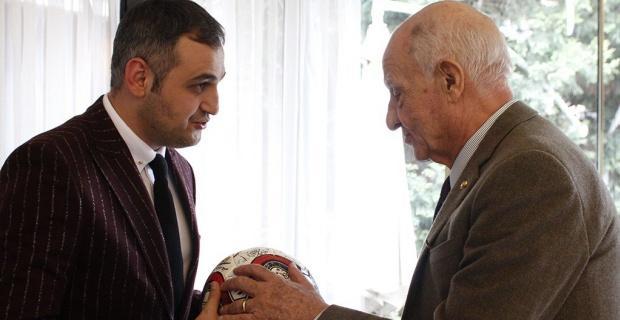 İnan Kıraç'tan Eskişehirspor'a destek