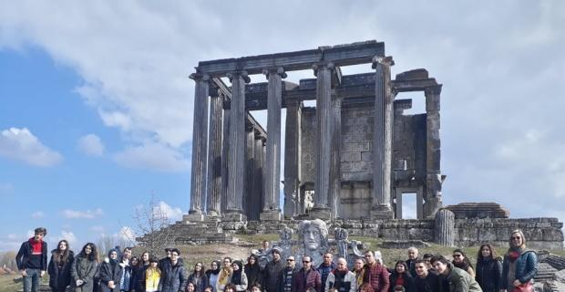 Örenciler Aizonai Antik Kenti'ne hayran kaldılar