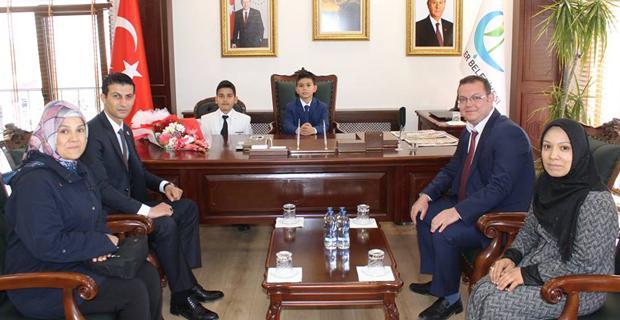 Başkan Bıyık, koltuğu Arda'ya devretti