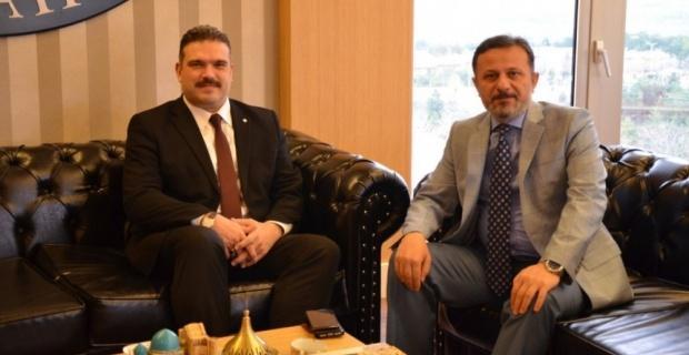 Rektör Şafak Ertan Çomaklı'dan Remzi Gören'e ziyaret