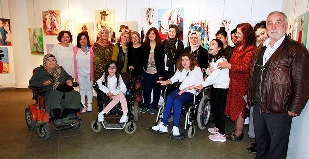 Engelliler için 'El Sanatları ve Resim Sergisi'