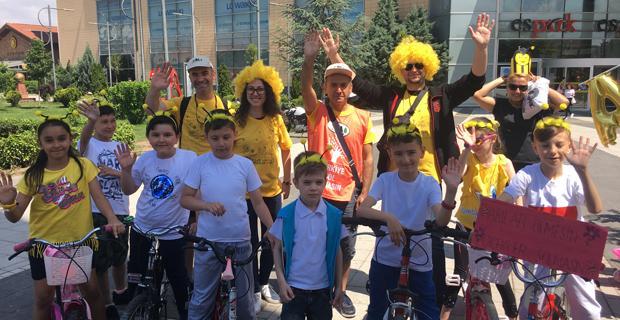 Bisikletçiler Arıların İzinde Pedal Çevirdi
