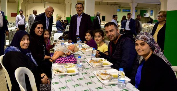 Ramazan bereketi Çamlıca'da paylaşıldı